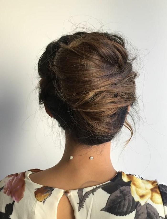 chignon-élégant-cheveux-lons-coiffure-chignon