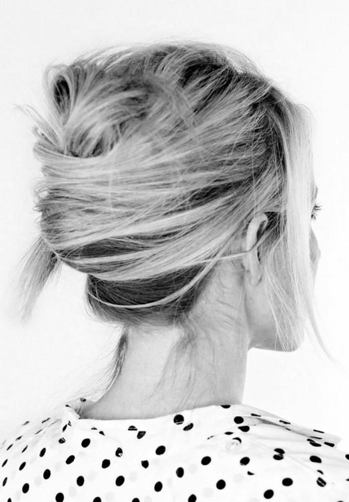 chignon-coiffe-decoiffe-cheveux-mi-long-belle-fille-noir-et-blanc-photo