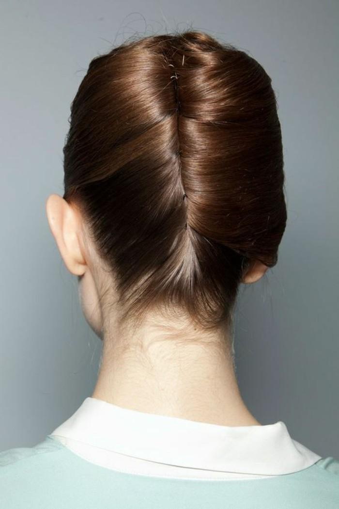 coiffure-banane-élégante-et-originale-cheveux-brillants