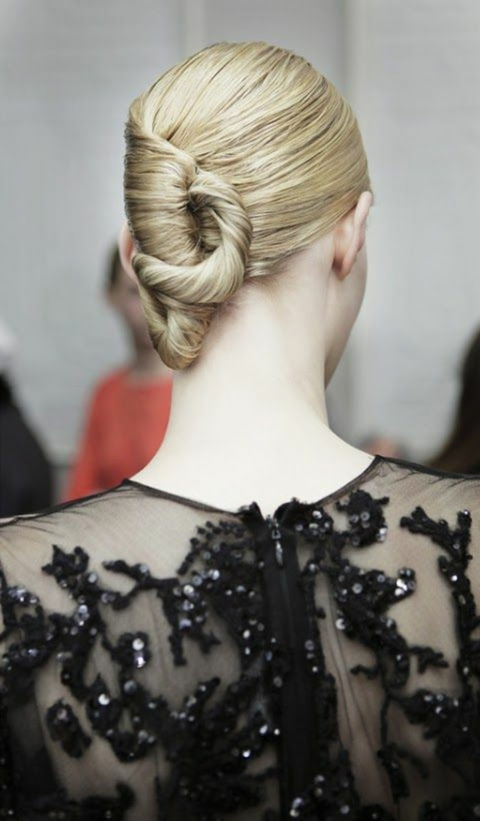 coiffure-banane-élégante-originale-coiffure-haute-couture