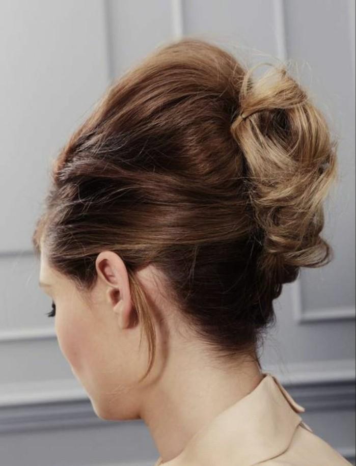 coiffure-banane-rétro-très-élégante-jolie-chevelure