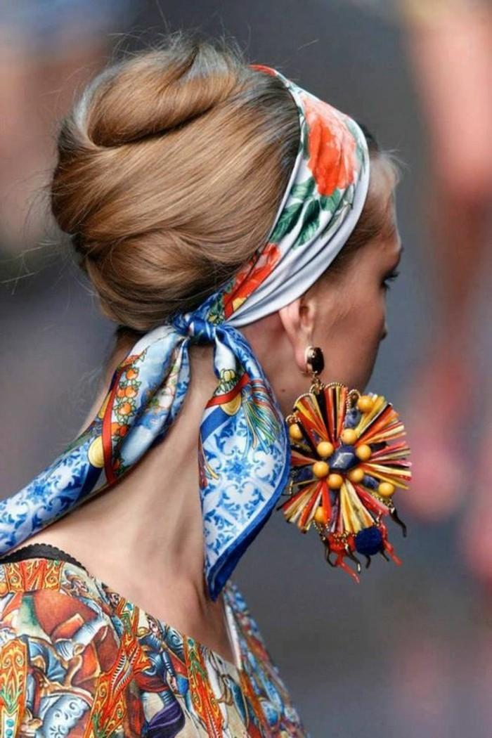 coiffure-foulard-accessoiriser-sa-coiffure-avec-style-joli-chignon