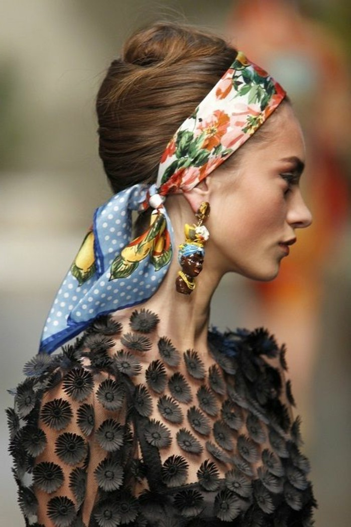 1001 id es pour coiffures avec foulard dans les cheveux. Black Bedroom Furniture Sets. Home Design Ideas