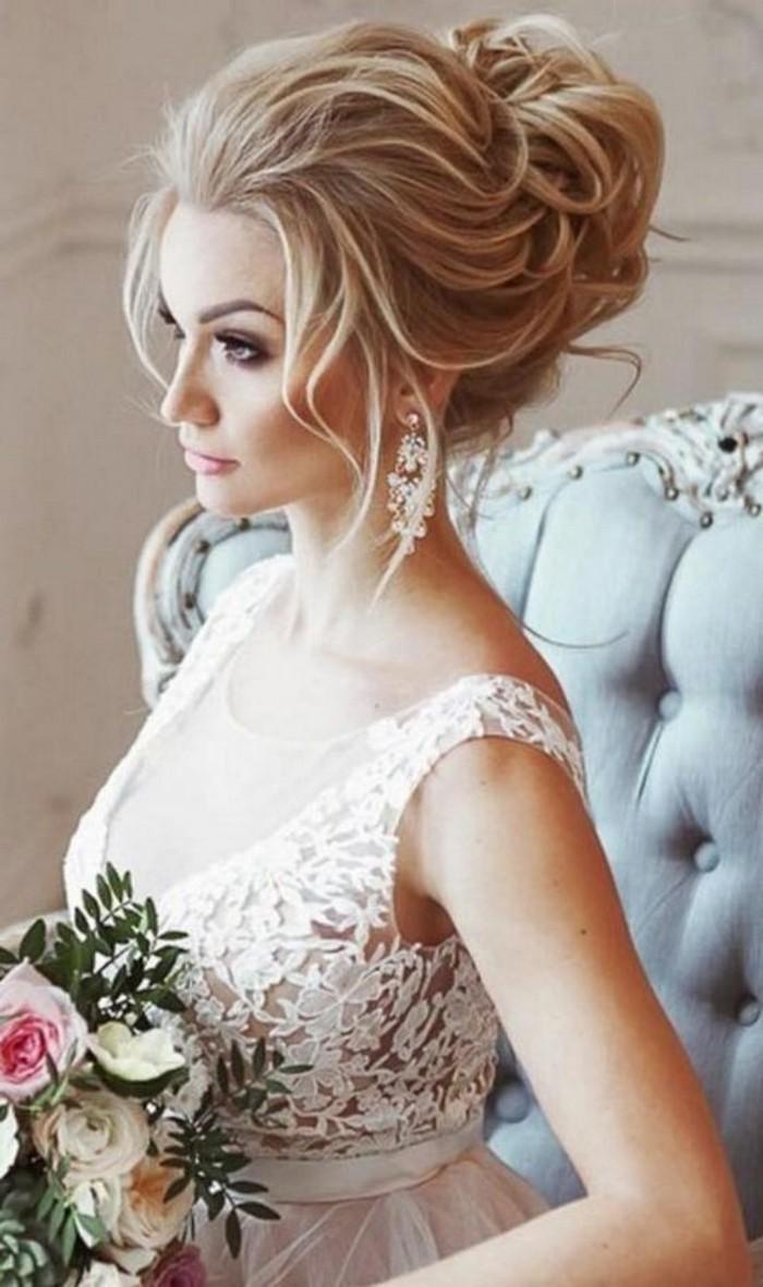 coiffure-mariage-boheme-princesse-confidence-boho-style-chignong-robe-en-dentelle