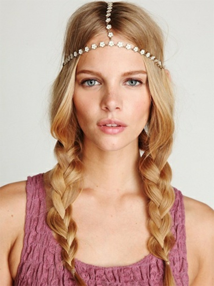 coiffure-romantique-accessoire-chaine-pour-les-cheveux-fleurs