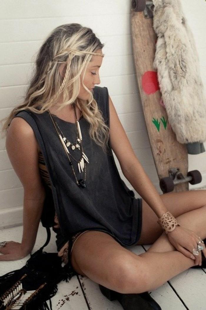 coiffure-romantique-esprit-sauvage-ete-skateboard-tresses-bijoux-hippie-style