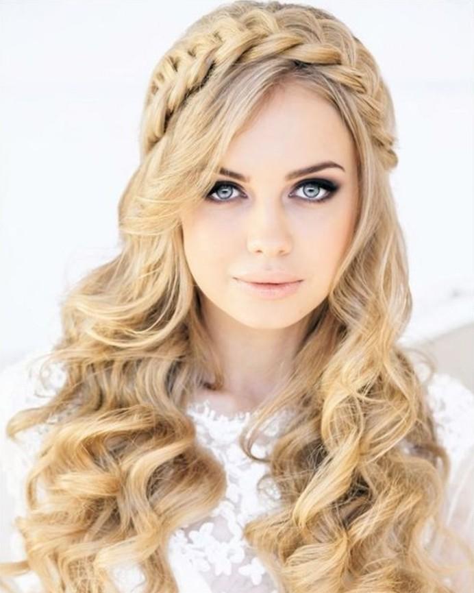 coiffure-romantique-princesse-cheveux-blonds-boucles-robe-de-mariee