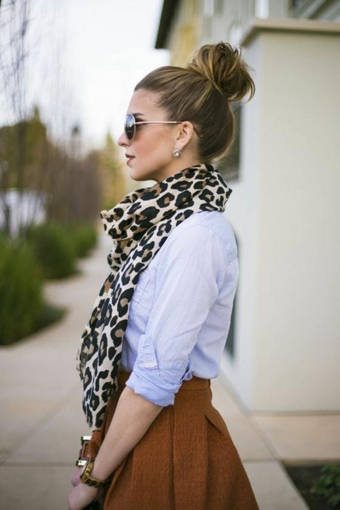 coiffure-simple-et-elegante-tendance-chignon-bun-haut