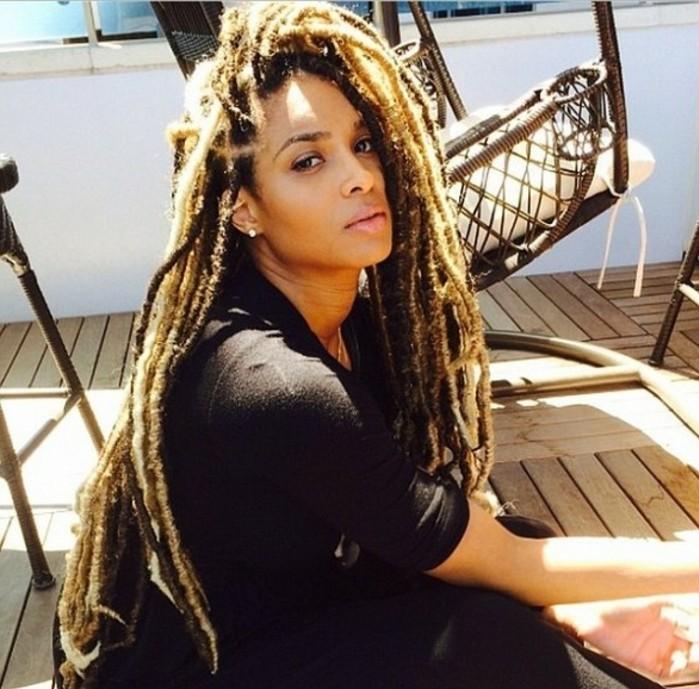 coiffure-tresse-africaine-beauté-sauvage-air-naturel-ciara-tenue-noire