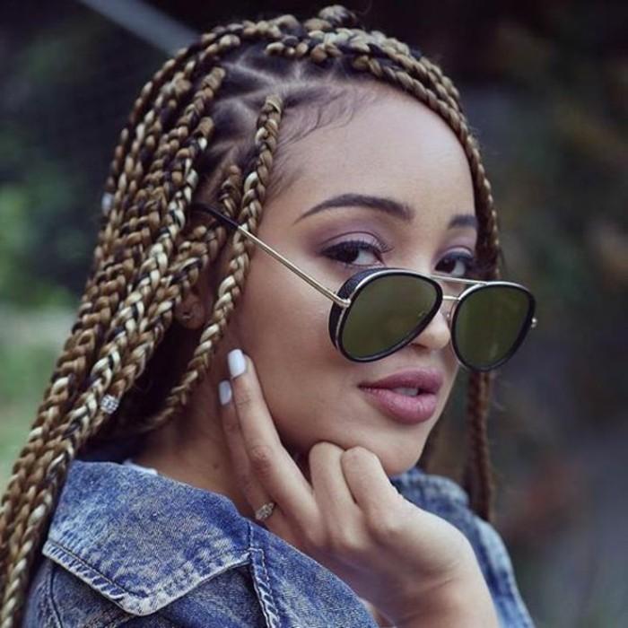 coiffure-tresse-africaine-vision-chic-et-moderne-lunettes-de-soleil-ongles-blancs-veste-en-jean