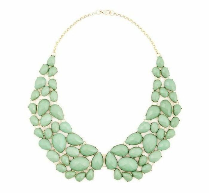 collier-imposant--collier-col-claudine-avec-pierres