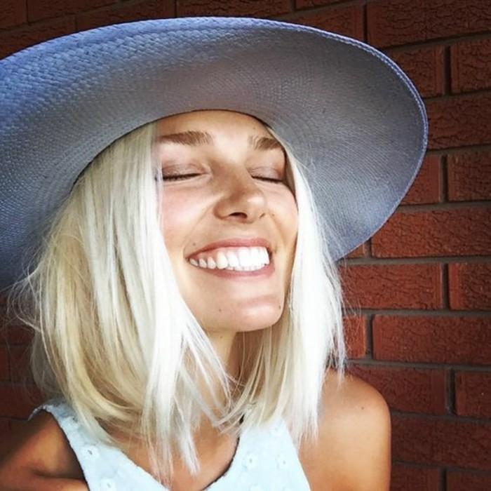 coloration-tendance-comment-adopter-la-nuance-de-blond-froid