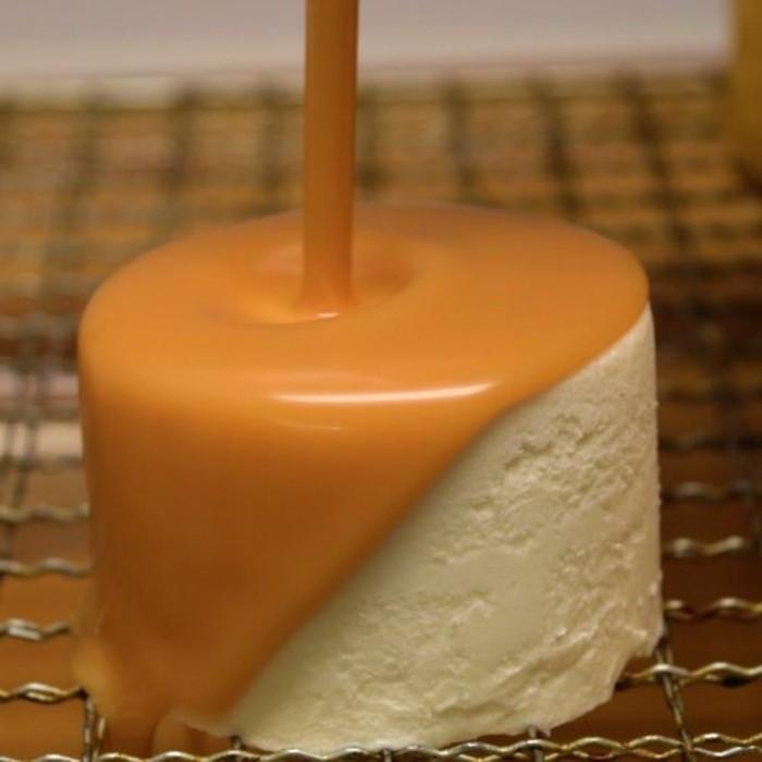 comment-faire-du-caramel-liquide-gateau-à-la-crème-blanche