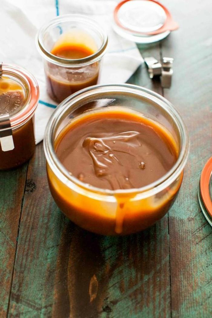 comment-faire-du-caramel-liquide-pour-agrémenter-ses-desserts