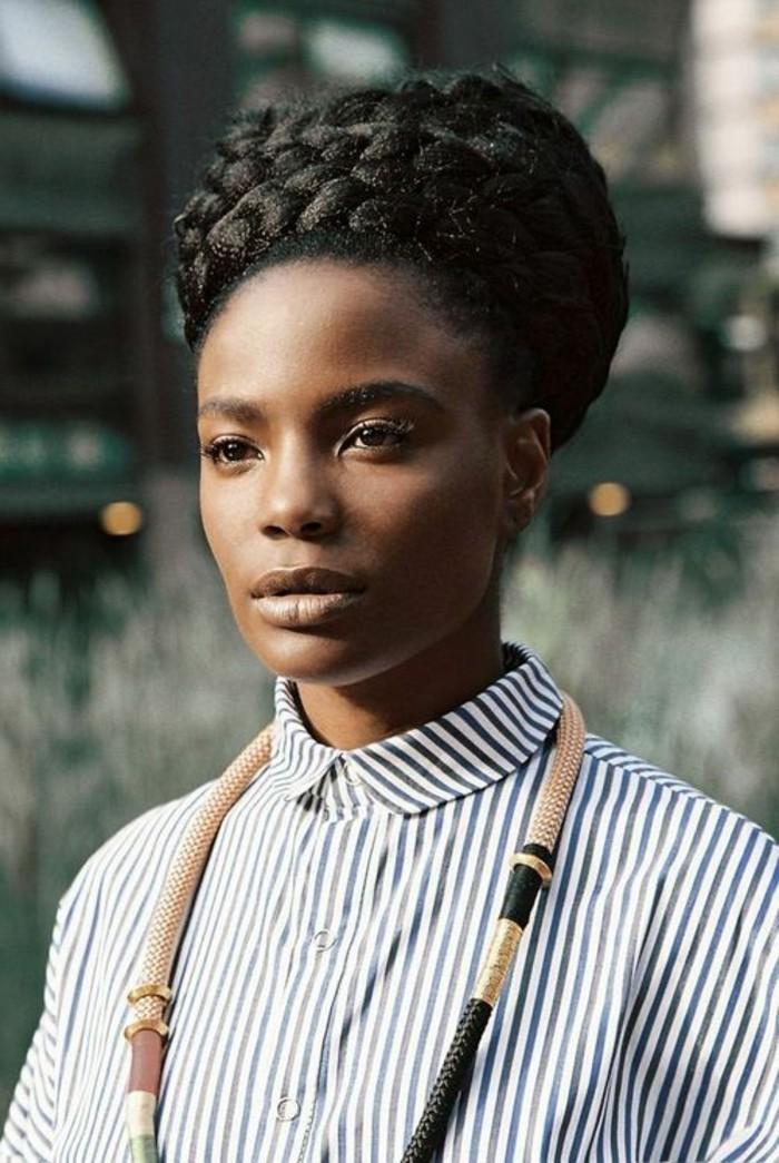 comment-faire-une-tresse-africaine-idée-coiffure-originale-et-classique