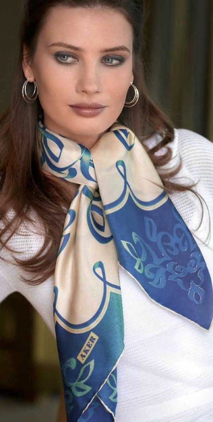 comment-nouer-un-foulard-de-maniere-sophistiquee