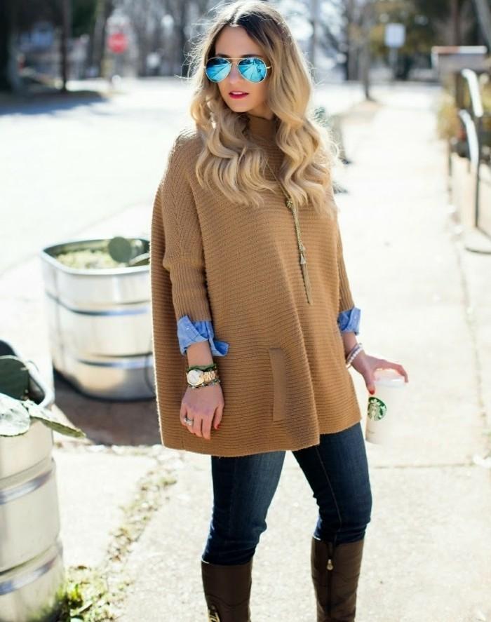 comment-porter-une-chemise-en-jean-poncho-beige-cafe-tenue-d'automne