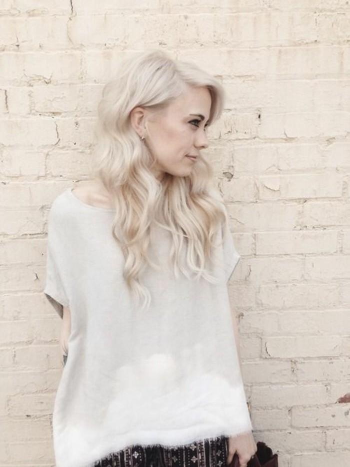 comment-réussir-le-blond-froid-cheveux-longs