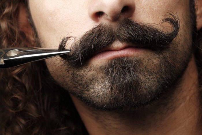 comment se raser la moustache barbe a la mode couper tailler boucles fine hipster