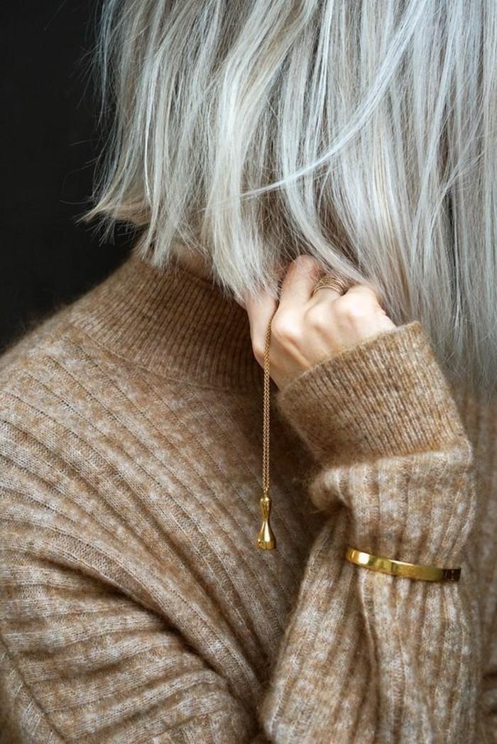 couleur-cendre-carre-mi-long-cheveux-fins-coiffure-tendance