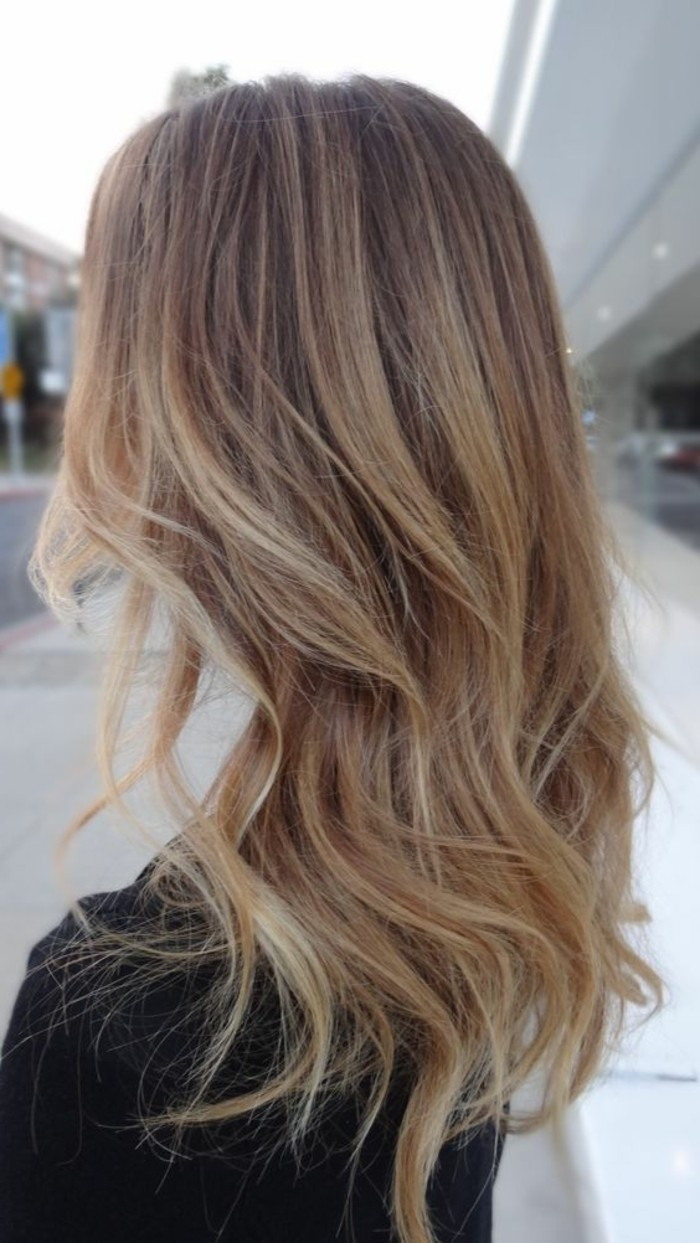 Coloration blond tres clair sur cheveux chatain