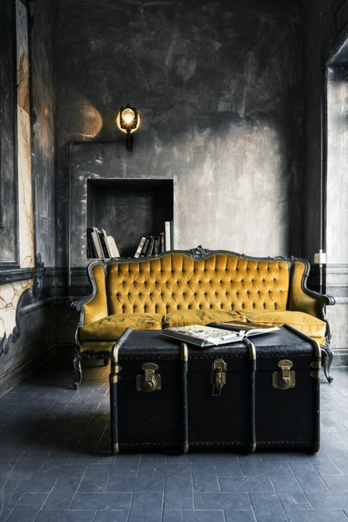 couleur-jaune-moutarde-intérieur-vintage-grande-valise-vintage