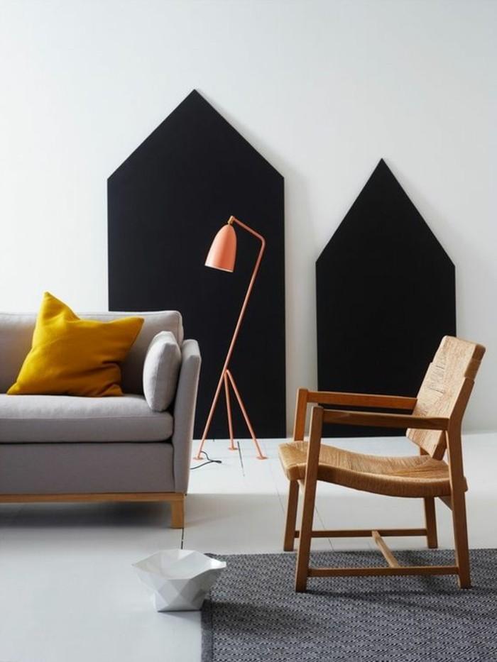 couleur-moutarde-sofa-gris-et-tapis-gris-lampe-de-sol