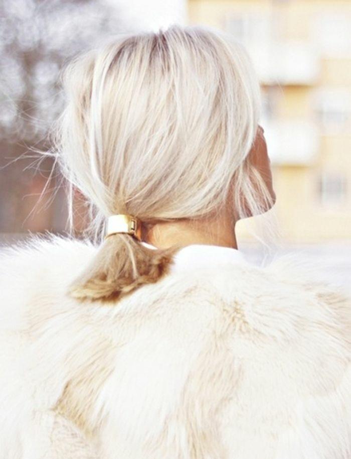 coupe-au-carré-cheveux-blond-froid-accessoire-de-cheveux-hair-cuff