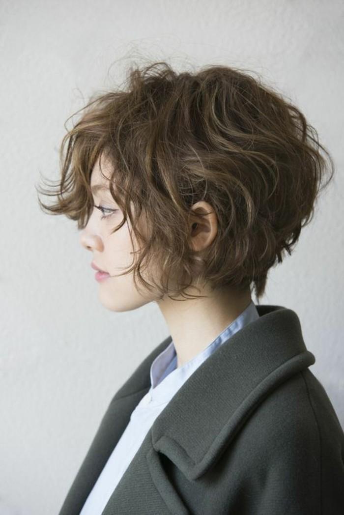 coupe courte ondulee femme 2017