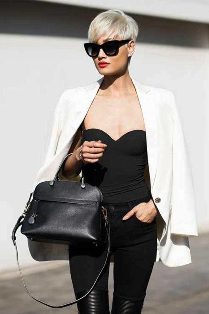 coupes-courtes-femme-modèle-classique-tenue-noir-et-blanc