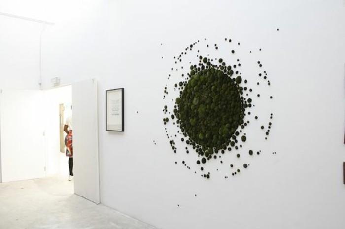 creation-en-mousse-vegetale-graffiti-art-artistes-contemporains