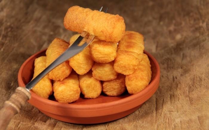 croquette-de-pomme-de-terre-au-fromage-fourchette-recette-délicieuse