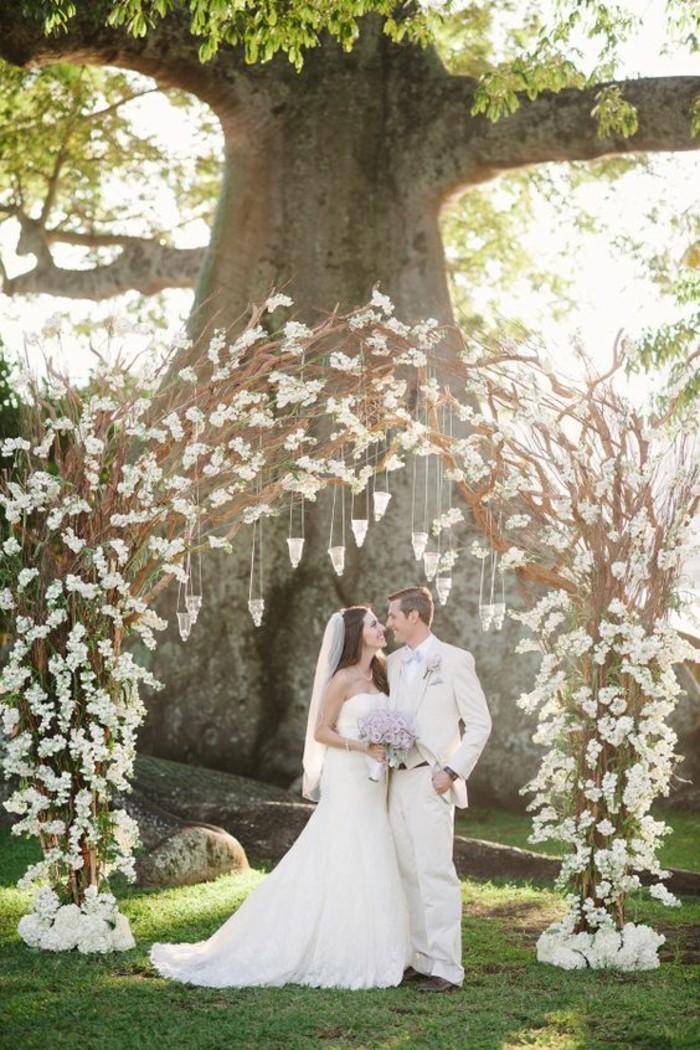 déco-de-mariage-féérique-arche-mariage-rustique-cérémonie-romantique