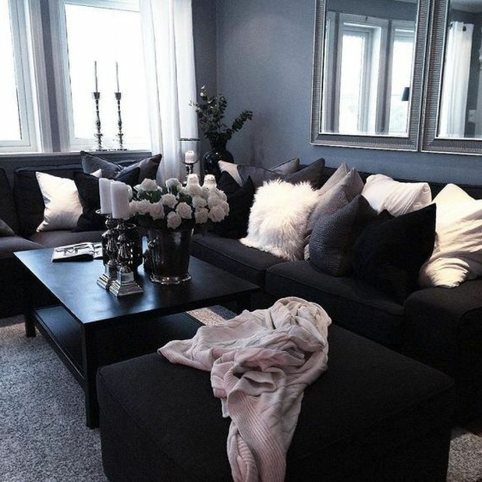 déco-salon-gris-peinture-grise-sofas-noirs-tapis-gris