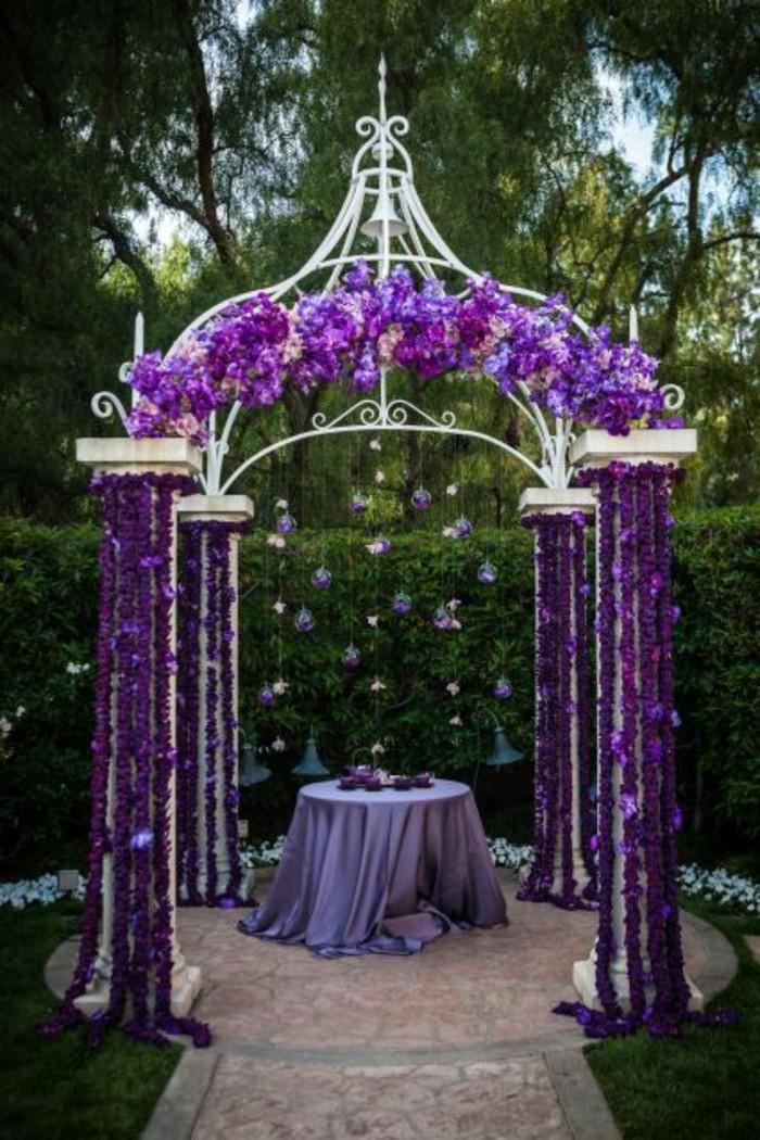 décoration-arche-mariage-violet-mariage-romantique