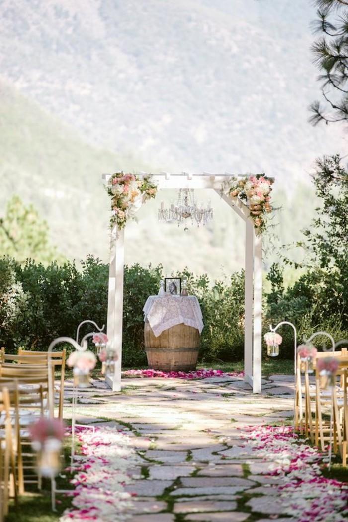 décoration-mariage-rustique-cérémonie-de-mariage-arche-de-mariage