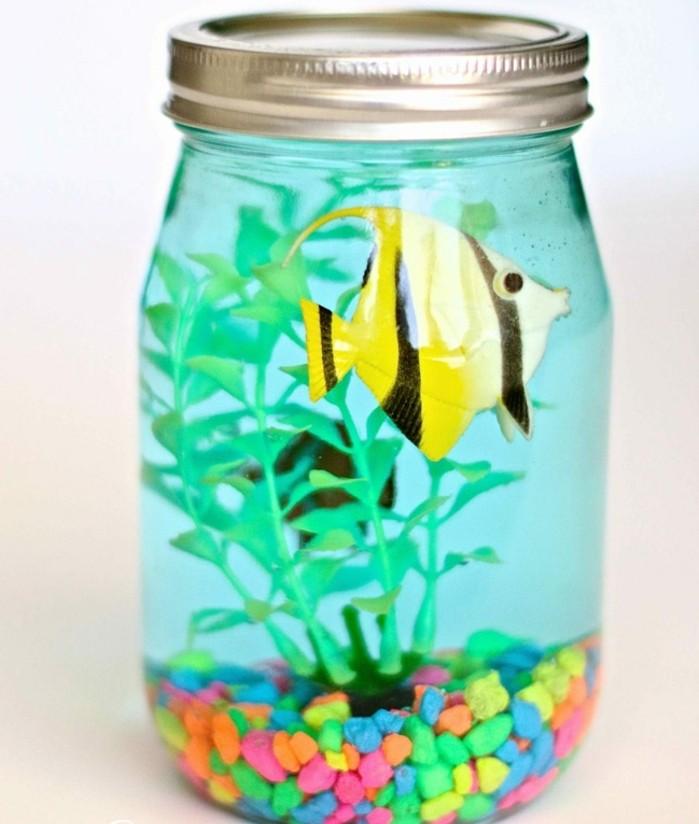 décoration-pot-de-confiture-imitation-aquarium-poisson-cailloux
