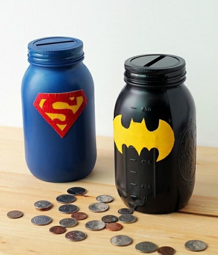 décoration-pot-de-confiture-inspiration-batman-superman-tirelires