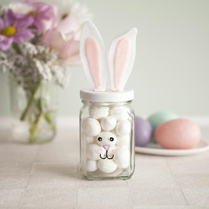 décoration-pot-de-confiture-lapin-oreilles-blanc-et-rose-bocal-de-gourmandies