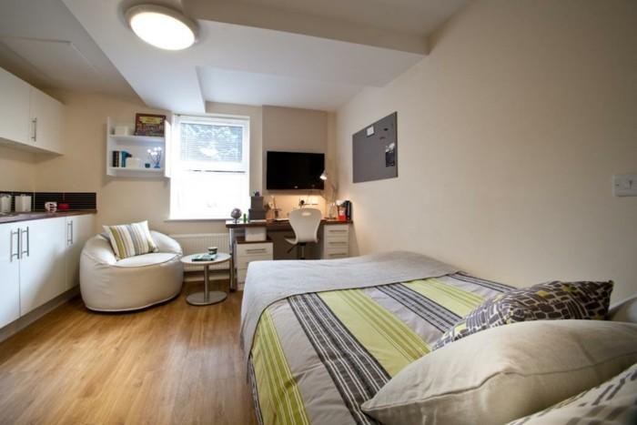 deco-appartement-pouf-confortable-cuisine-equipee-studio-parfait
