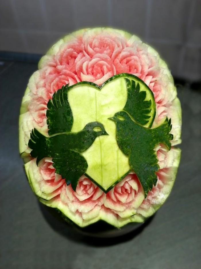 deco-fruit-sculpture-sur-pasteque-décoration-de-mariages