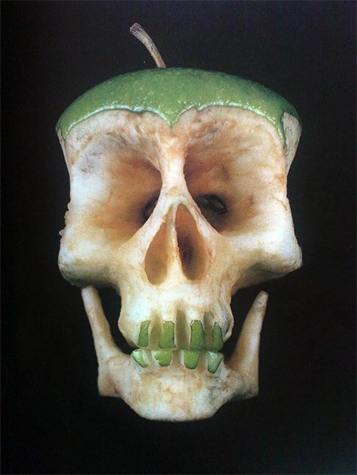 deco-fruit-tete-de-mort-fait-avec-juste-une-pomme