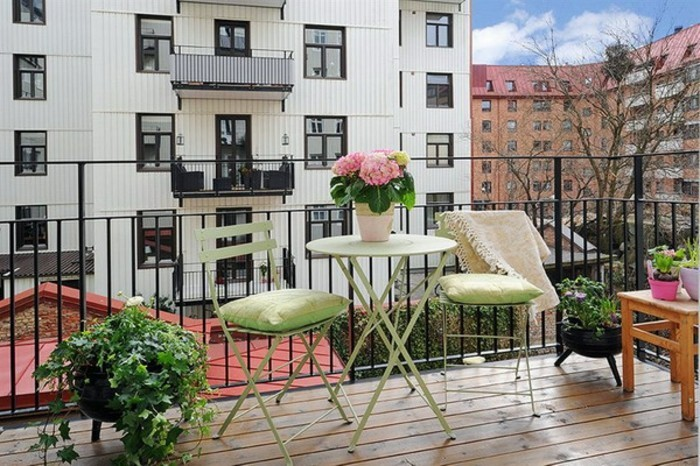 amnagement petite terrasse appartement amenagement petite. Black Bedroom Furniture Sets. Home Design Ideas