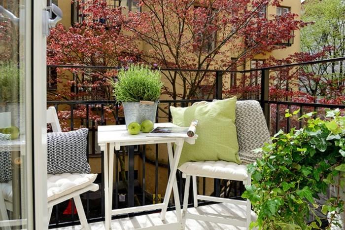 comment am nager un balcon avec style 55 photos. Black Bedroom Furniture Sets. Home Design Ideas