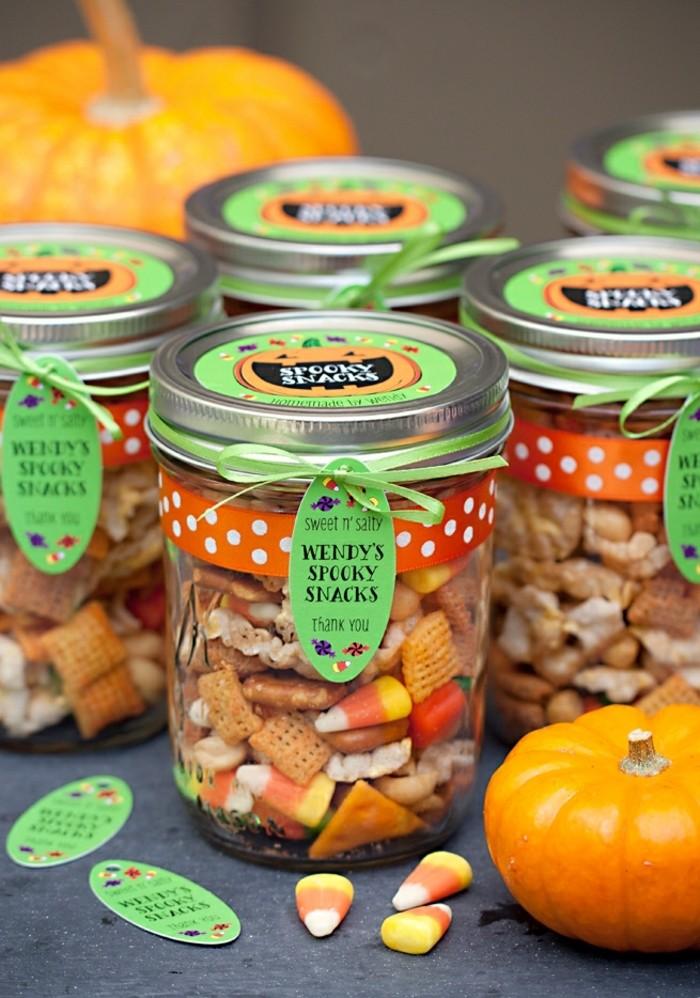 decoration-bocal-en-verre-pour-halloween-gourmandies-mix-sel-et-sucre