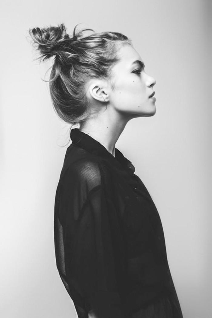 delicat-coiffure-chignon-tresse-idee-chignon-classe-adorable-femme-photo