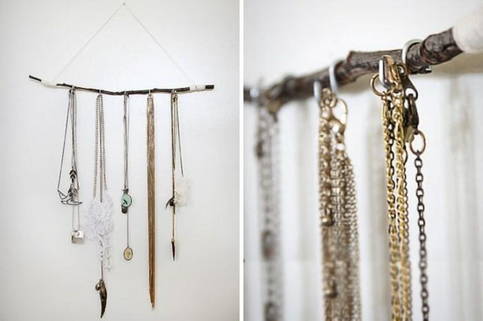 des-colliers-suspendus-a-une-branche-d-arbre-idee-de-presentoir-bijoux-a-faire-soi-meme