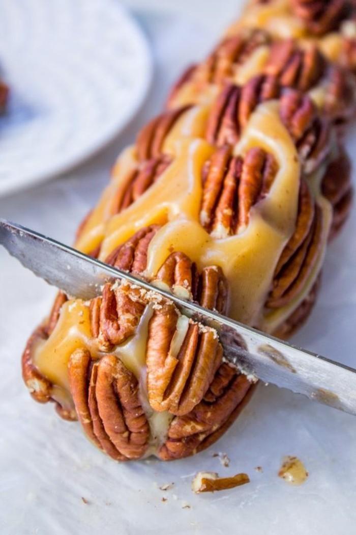dessert-au-caramel-buche-de-caramel-et-de-peccans
