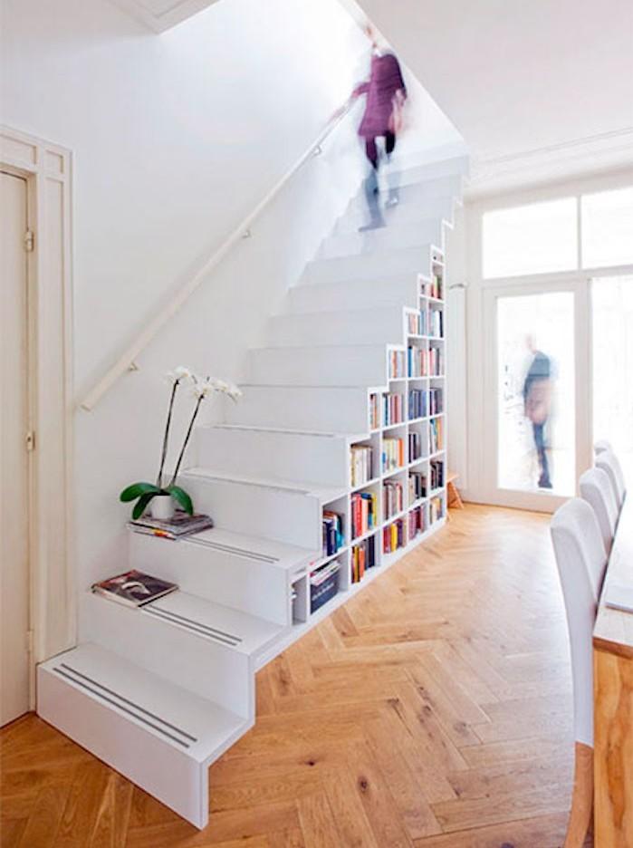 echelle-design-avec-bibliotheque-sous-escaliers-rangements-cubes-etageres-murales-a-cases
