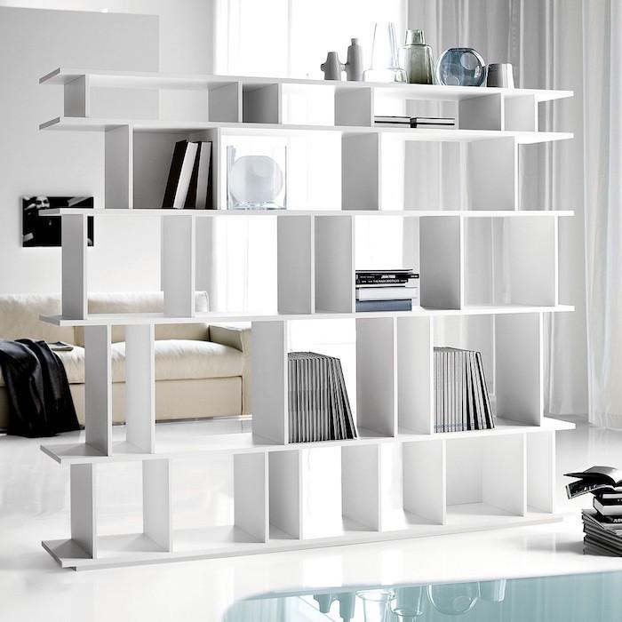 etagere-escalier-bibliotheque-cube-rangement-separation-salon-salle-a-manger-rangement-multicase-separer-une-chambre-en-deux